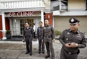 1414656571877_wps_4_epa04460880_Thai_police_o